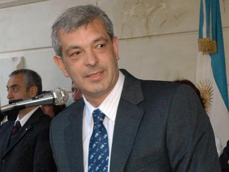 Ministro Domínguez.