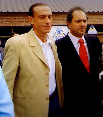 Arrieta junto al gobernador Daniel Scioli (foto: Agencia Nova).