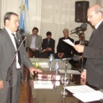 Barbato presta juramento como concejal electo.
