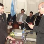 Bertolini presta juramento como concejal electo.