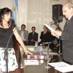 Defunchio presta juramento como concejal electo.