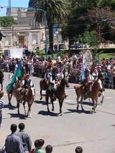 desfile criollo-emprendados