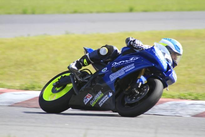 El motociclismo cerró el año en Roque Pérez : Luca Pastorino en el podio