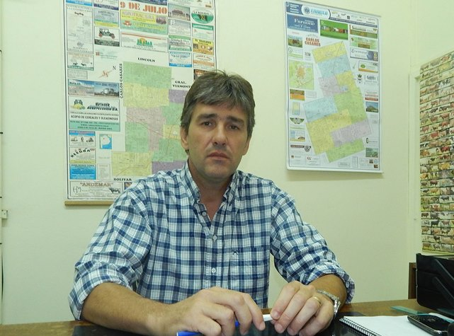 Medico Veterinario Marcelo Deolavarrieta titular de Sensa 9 de Julio