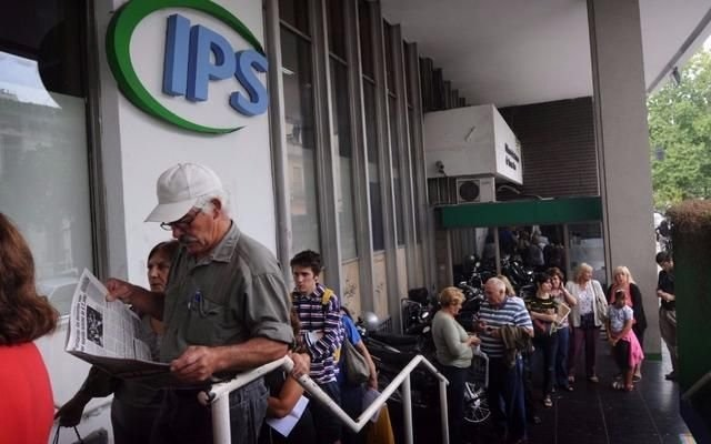 Los docentes jubilados bonaerenses cobran el  aumento con los haberes de julio