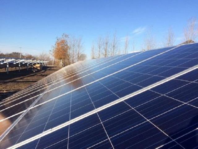 Parque Solar Fotovoltaico en la localidad de El Triunfo, distrito de Lincoln