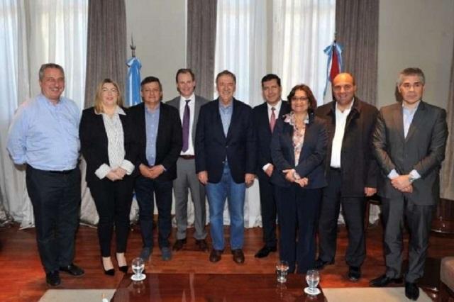 Gobernadores se abroquelan frente al reclamo de Vidal  por el Fondo del Conurbano
