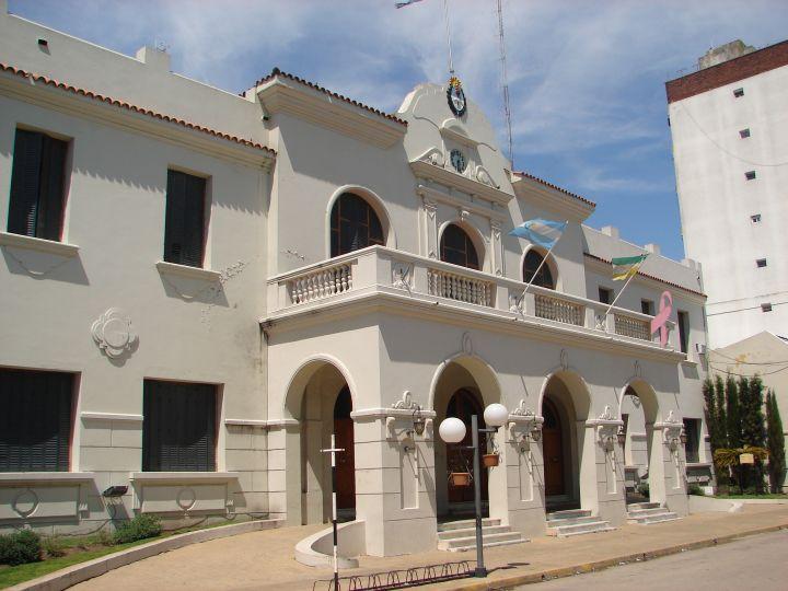 Edificio-Municipal-de-Carlos-Casares