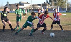 copa-Tramo del partido entre Sarmiento y Atletico 9 de Julio, ganaron los terquitos 2 a 1