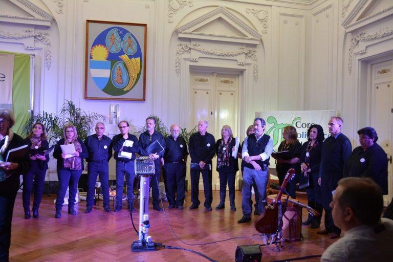 «Octubre Coral»: las canciones llegan a cada hogar