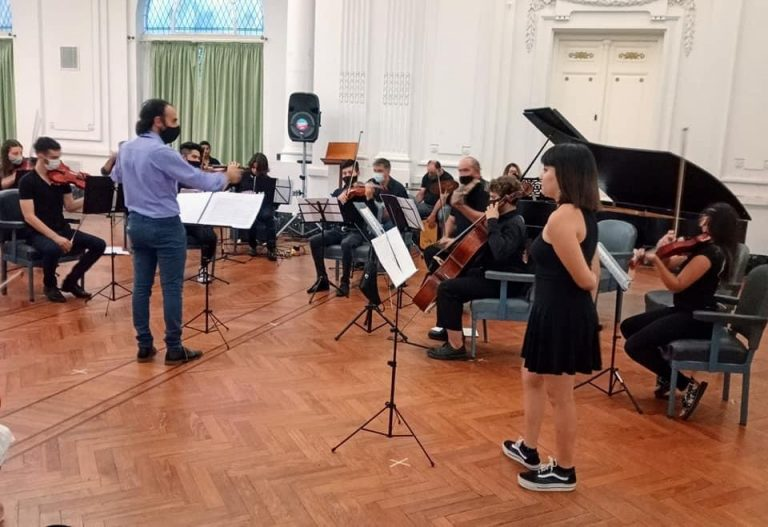 La Orquesta aporta su música con esperanza